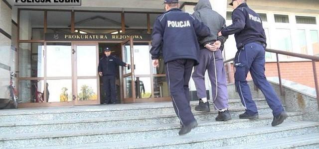 Dzięki informacji od mieszkańca policjanci zatrzymali sprawcę włamania do lombardu.