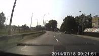 """Kolejny """"sukces"""" kierowcy jadącego samochodem z rejestracją DPL. Na szczęście nie doszło do tragedii."""