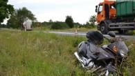 Jechali motocyklem do Częstochowy. Przed Turowem kierowca ciężarówki na krótkiej prostej zdecydował się na wyprzedzanie…