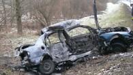 W piątek tragedia, dzisiaj kolejna, tym razem po zderzeniu jeden z pojazdów zapalił się.