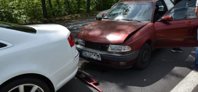 Trzy uszkodzone samochody i utrudnienia w ruchu niedaleko ZG Lubin.