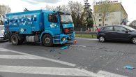 Duży ruch, wyjeżdżające z giełdy samochody i za mały odstęp między pojazdami doprowadziły do stłuczki ciężarówki […]