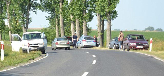 Dużo szczęścia miał młody kierowca BMW, który wpadł do rowu na drodze wojewódzkiej Chojnów-Lubin.
