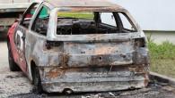 Mieszkańcy bloków przy ulicy Sztukowskiego w Lubinie tej nocy nie narzekali na brak wrażeń. Spłonął samochód.