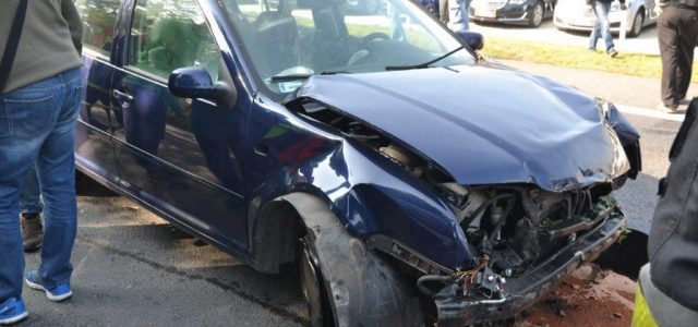 Dużo szczęścia miął młody kierowca volkswagena bora, który we wtorek (27.09) wjeżdżał od strony Legnicy do […]