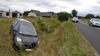 W miejscowości Mleczno (gm. Rudna) toyota kierowana przez kobietę zjechała z drogi i zatrzymała się w […]