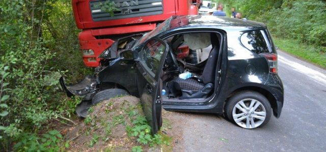 Bardzo dużo szczęścia miał kierowca toyoty IQ. Patrząc na zniszczone auto – można powiedzieć – cud, […]