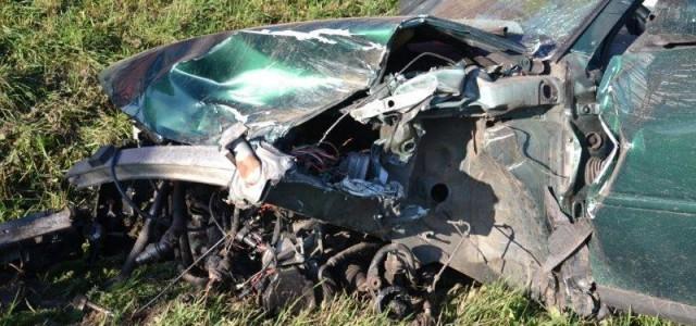 Osiem osób w szpitalu, dwa zniszczone i dwa uszkodzone samochody. Wypadek spowodował zamknięcie drogi na prawie […]