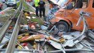 Rozpędzona ciężarówka wjechała w busa robót drogowych. Poszkodowany trafił śmigłowcem do szpitala w Nowej Soli.