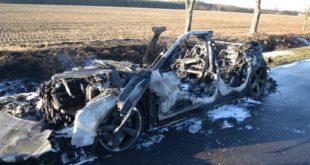 Audi spłonęło doszczętnie